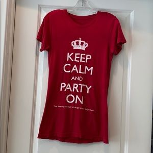Keep Calm and Party On 👑 t shirt! 🐝